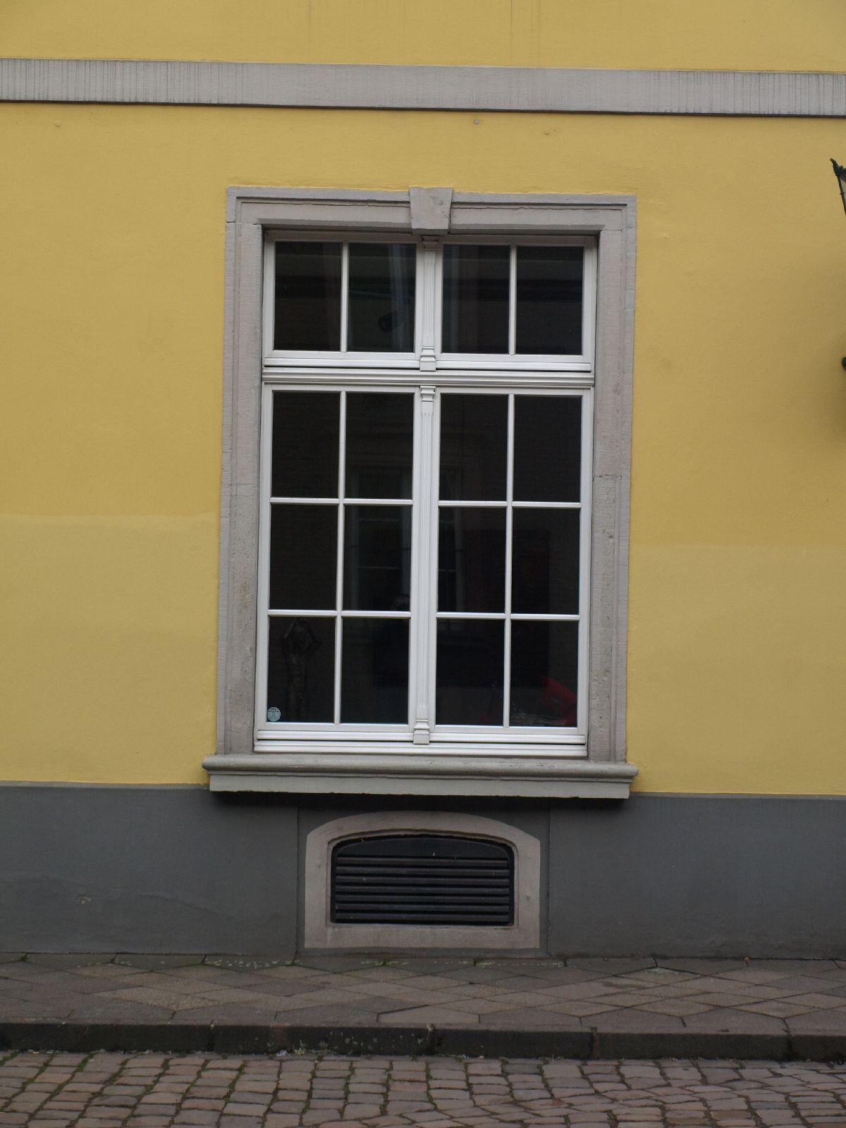 Building_Texture_A_P1179355